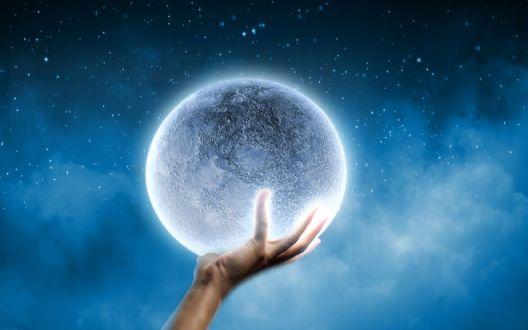 priznaki-togo-chto-vyi-pomogaete-lyudyam-svoim-svetom-i-vibratsiyami