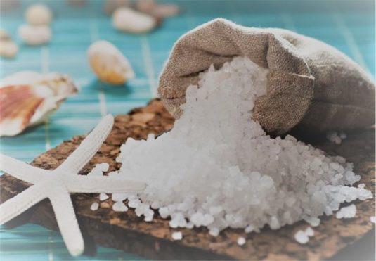Домашний ритуал очищения солью