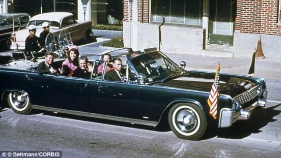 Сколько мест было в машине, в которой убили американского президента Кеннеди
