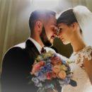 Нужноли брать фамилию мужа после свадьбы или оставить давичью?