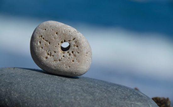 Ведьмин камень - камень с дырочкой