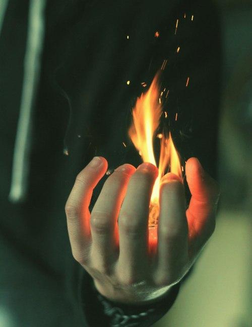 Как развить в себе пирокинез и научиться управлять стихией огня?