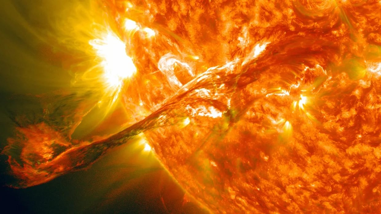 Что такое солнечная вспышка и ее влияние на человека ?