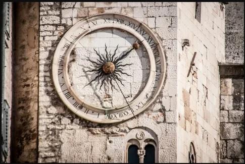 стена во времени
